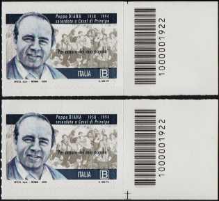 Giuseppe Diana - 25° Anniversario della scomparsa - coppia di francobolli con codice a barre n° 1922 a DESTRA alto-basso