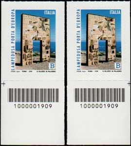 Lampedusa, porta d'Europa - coppia di francobolli con codice a barre n° 1909 in BASSO a destra-sinistra