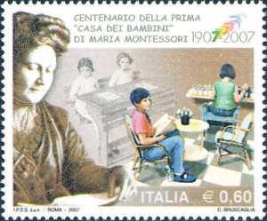 Centenario della inaugurazione della prima «Casa dei bambini» realizzata da Maria Montessori  - ritratto della pedagogista e scolari