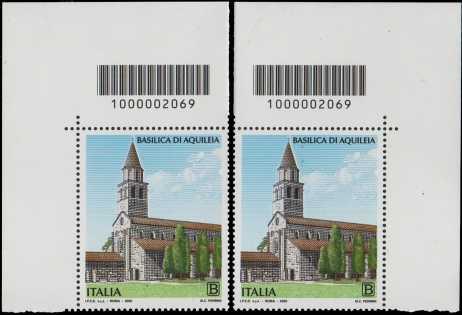 Basilica di Aquileia - coppia di francobolli con codice a barre n° 2069 in ALTO destra-sinistra