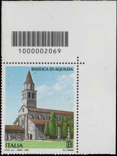 Basilica di Aquileia - coppia di francobolli con codice a barre n° 2069 in ALTO a destra