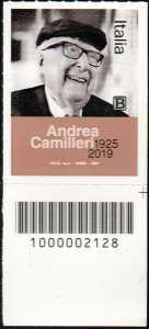 Le Eccellenze italiane dello spettacolo   :  Andrea Camilleri - francobollo con codice a barre n° 2128 in BASSO a destra