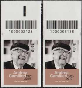 Le Eccellenze italiane dello spettacolo   :  Andrea Camilleri - coppia di francobolli con codice a barre n° 2128 in ALTO destra-sinistra