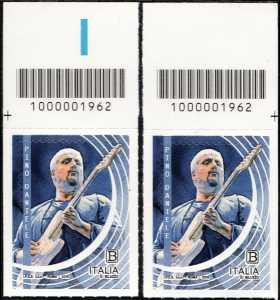 Le Eccellenze italiane dello spettacolo  - Pino Daniele - coppia di francobolli con codice a barre n° 1962 in ALTO destra-sinistra