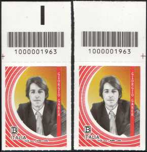 Le Eccellenze italiane dello spettacolo  - Giorgio Gaber - coppia di francobolli con codice a barre n° 1963 in ALTO destra-sinistra