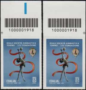 Reale Società Ginnastica Torino - 175° Anniversario della fondazione - coppia di francobolli con codice a barre n° 1918  in ALTO destra-sinistra
