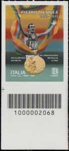 Pietro Mennea - 40° Anniversario della medaglia d'oro alle Olimpiadi di Mosca - francobollo con codice a barre n° 2068 in BASSO a sinistra