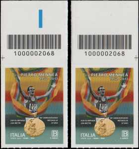 Pietro Mennea - 40° Anniversario della medaglia d'oro alle Olimpiadi di Mosca - coppia di francobolli con codice a barre n° 2068 in ALTO sinistra-destra